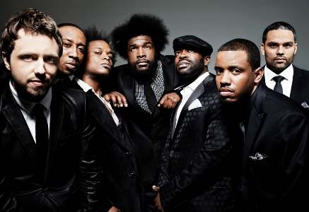 http://www.plugonemag.com/wp-content/uploads/2009/09/The-Roots.jpg